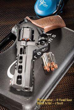 Military Weapons, Weapons Guns, Guns And Ammo, Aigle Animal, Custom Guns, Cool Guns, Tactical Gear, Tactical Survival, Firearms