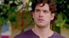 'Sangue Bom': Bento sente ciúmes de Giane, mas decide se casar com Amora | vanessa_barreto - Yahoo! TV