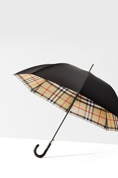 The new Burberry Spring/Summer 2012 umbrella