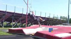 Le sport, c'est la santé ... Sauf quand c'est raté, ça fait rire les spectateurs ... http://twit.lu/ss