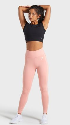 The Dreamy Capped Sleeve Crop Top, Black. Gym Shark Outfit, Sports Bra Outfit, Workout Attire, Workout Wear, Sporty Outfits, Fashion Outfits, Gym Tracksuit, Tops For Leggings, Lolita Dress