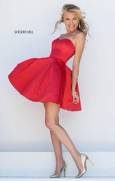 Date: 05/08/16 Note: I love this circular red dress!