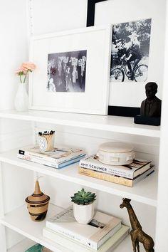 Step Inside A Dreamy Sausalito California Home Glitter Guide neutrals home decor living spaces minimalist modern home interior design Interior Design Minimalist, Modern Home Interior Design, Minimalist Home Decor, Modern House Design, Modern Decor, Luxury Interior, Home Modern, Interior Colors, Modern Interiors