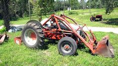 Old Ford tractors Old Ford Trucks, Ford Tractors, Old Farm Equipment, Antique Tractors, Heavy Machinery, Old Fords, Motors, Race Cars, Garden