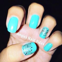Tiffany blue nail polish with a hint of glitter I did:)