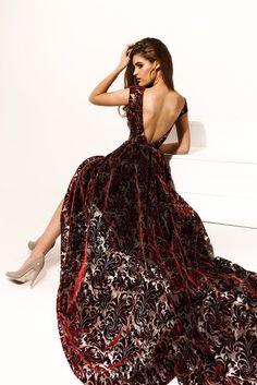 Santorini Campaign Elegant Dresses, Formal Dresses, Dress Makeup, Wedding Party Dresses, Chic Wedding, Dream Dress, Fashion Outfits, Fashion Trends, Prom