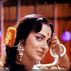 50 Beautiful Faces in Bollywood: Waheeda Rehman