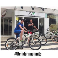 Our new friend #harveymillington and his father from #uk have enjoyed our #taobike this morning  in #benidorm and it has been a pleasure for us to have had this young entrepreneur in our shop!! #electricbike #bikerental #bikehire #ecotourism #responsibletourism #taobikes