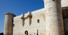Castillo de Fuentes de Valdepero (Palencia) Te apetece conocerlo? http://experienciasyociolazoleon.wordpress.com/ te lo organiza.......anímate a conocernos!!!!!!!