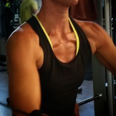 #work that #chest #girl!  #girlswithmuscle #trainlikeagirl