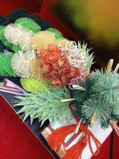 (有)ながさわ結納店 #japan #mizuhiki #wedding #yuino#fukuoka#hakata Japanese New Year, Japanese Paper, Shibori, Diy Paper, Paper Crafts, Kanzashi Tutorial, Japanese Colors, Kirigami, Japanese Culture