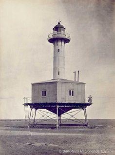 Faro de la Punta de la Baña, Tarragona. Foto de José Martínez Sánchez, hacia 1865 (Biblioteca Nacional de España)