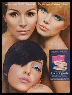 1967 mod women photo Coty Originals makeup brush-on powder vintage print ad