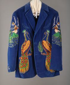 NUDIE COHN SUIT. I'm gonna own one some day.
