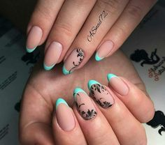 french nails with gold Accent Short Oval Nails, Long Round Nails, Nail Tip Designs, Creative Nail Designs, Nail Manicure, Diy Nails, Bright Acrylic Nails, Round Shaped Nails, French Tip Nails