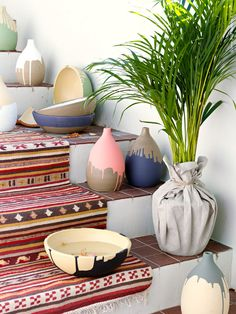 #DIY drip-painted planters and vases!