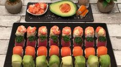 Turns out you don't need to be an expert chef to make your own sushi. Make Your Own Sushi, How To Make Sushi, Making Sushi At Home, Sashimi Sushi, Tempura Sushi, Shrimp Sushi, Salmon Sashimi, Sushi Roll Recipes, Cube Recipe