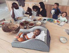 Adorable family photo of Kim Kardashian enjoying breakfast with Kanye West and their four kids at home Kim Kardashian Kanye West, Kim Kardashian Snapchat, Kanye West And Kim, Estilo Kardashian, Kardashian Style, Kardashian Jenner, Kardashian Wedding, Kardashian Kollection, Kim Kanye Wedding