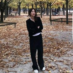 SHK in black [cr. to the rightful owner] Look Fashion, Daily Fashion, Korean Fashion, Fashion Beauty, Mode Outfits, Fashion Outfits, Womens Fashion, Looks Style, My Style