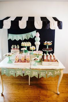 Once all the desserts were displayed, it really looked like a sweet shop! Source: Kelly Bowie of KCB Photography