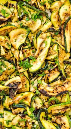 Ultimate Zucchini Salad is so flavorful and healthy, you'll want to make it all summer long! Seasoned with lemon-parsley dressing, it requires only 5 ingredients! Salad Recipes Video, Vegetable Recipes, Vegetarian Recipes, Cooking Recipes, Healthy Recipes, Vegetarian Lunch, Ark Recipes, Flour Recipes, Turkey Recipes