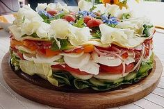 Party salad cake, a good recipe from the vegetable category. Ratings: Average: Ø Party salad cake, a good recipe from the vegetable category. Cheese Appetizers, Appetizer Recipes, Salad Recipes, Party Salads, Party Snacks, New Recipes, Vegetarian Recipes, Cooking Recipes, Scotcheroos Recipe
