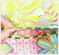 Learn from StitchLab and Diane Deziel and sew beautiful double welted pockets for your handbags.