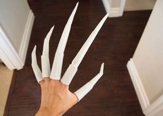 Cosplay Costume how to make nightmare claws tutorial(or starscream claws): Halloween Prop, Hallowen Costume, Halloween Cosplay, Diy Costumes, Halloween Make Up, Costume Ideas, Halloween Outfits, Witch Cosplay, Creepy Halloween Costumes