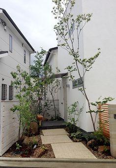 しごと | 萬葉 庭を創る。庭を造る。ガーデンデザインオフィス萬葉 Akira, Beautiful Gardens, Entrance, Architecture Design, Garden Design, Diy And Crafts, Backyard, Exterior, Modern