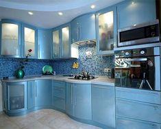 Glossy Kitchen Worktops and Kitchen Doors - Uncinetto Moduler Kitchen, Glossy Kitchen, Kitchen Cupboard Designs, Kitchen Modular, Home Decor Kitchen, Kitchen Worktops, Modern Kitchen Interiors, Luxury Kitchen Design, Kitchen Room Design