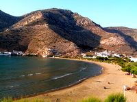 Sifnos, an island laid back and sophisticated, cosmopolitan port Kamares and the green and pretty interior. Beautiful walks, pretty village of Kastro and nice beaches. Island Villa, Beach Town, Greek Islands, Beautiful Beaches, Night Life, Greece, Tourism, Cosmopolitan, Walks