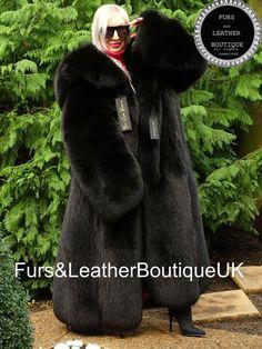 Noir Color, Skin To Skin, Satin Jackets, Swing Coats, Fox Fur Coat, Fur Collars, Mantel, Long Sleeve Tops, Autumn Scenery