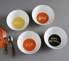 Halloween Glow-in-the-Dark Bowls | Halloween Table Decor | Pottery Barn Kids Halloween Icons, Halloween Kids, Halloween Table, Halloween 2017, Halloween Parties, Halloween Costumes, Peanuts Thanksgiving, Charlie Brown Halloween, Plates And Bowls