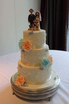 Amazing pet styled wedding cake topper