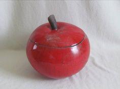 boite pomme rouge raku original céramique grès  Jean-Pierre et Danièle MEYER Meli Melo, Vases, Sculptures, Fruit, Building, Plants, Red Apple, Raspberry, Ceramic Boxes