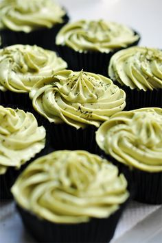 If you are a fan of cupcake and you like matcha, too, her's great treat just for you. These are delicious Matcha Cupcakes topped with Matcha Cream Cheese Green Tea Cupcakes, Matcha Cupcakes, Baking Cupcakes, Cupcake Recipes, Cupcake Cakes, Dessert Recipes, Single Serve Desserts, Just Desserts, All You Need Is
