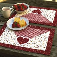 Love these quilted Valentine placemats!