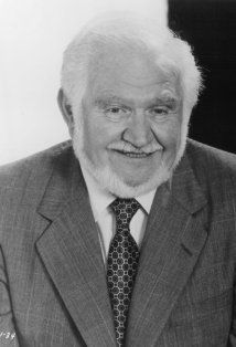 Robert Proski (December 13, 1930 – December 8, 2008), I first watched him as the inventor on Jabborwocky, then later on Hill Street Blues