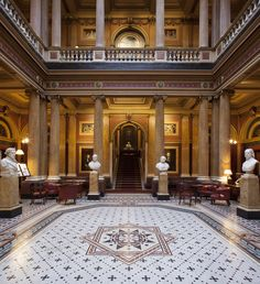 Architecture and LED lighting design come together at the Reform Club, London.