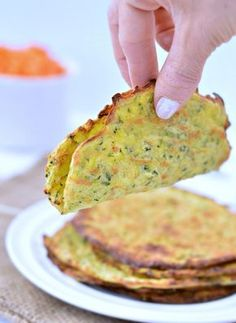Homemade tortillas or zucchini tortillas a soft taco shell made with grated zucchini, gluten free and paleo flour. Only 4 ingredients, easy and delicious. Coconut Flour Recipes, Paleo Recipes, Mexican Food Recipes, Low Carb Recipes, Whole Food Recipes, Cooking Recipes, Coconut Milk, Zucchini Tortilla, Fromage Vegan