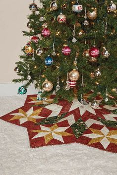 Under the Tree Christmas Skirt Pattern. Looking for a Christmas tree skirt kit or pattern? The Under the Tree, LeMoyne Star block, tree skirt is just perfect for this holiday season.