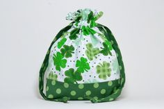 Perfect little bag for your knitting!  This handmade drawstring bag is made from 100% cotton fabric and is fully lined with a coordinating