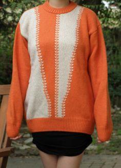 Kup mój przedmiot na #vintedpl http://www.vinted.pl/damska-odziez/dlugie-swetry/5318966-egzotyczny-cieply-sweter-marki-vament-ml