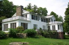 """Poetry Ridge B&B - """"Come stay with us and release the pent-up sonnets from your Inner Shakespeare!"""""""