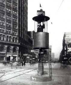 Traffic control in downtown Detroit 1928