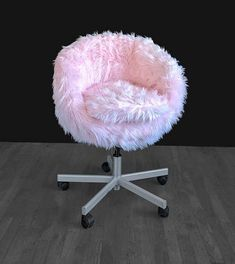 Most Comfortable Office Chair Cute Room Ideas, Cute Room Decor, Ikea Chair, Diy Chair, Chair Upcycle, Girl Bedroom Designs, Girls Bedroom, Bedroom Ideas, Bedrooms