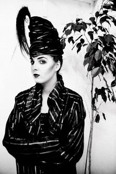 Kim Bowen, 1980 / 'Nightclubbing': A collection of photos of London's New Romantics scene, Wave Dance, London Nightlife, Blitz Kids, Stephen Jones, Stranger Things Steve, Dangerous Minds, New Romantics, Club Kids, Boy George
