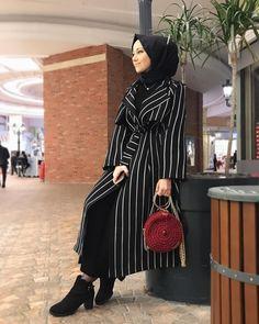 Modern Hijab Fashion, Hijab Fashion Inspiration, Islamic Fashion, Muslim Fashion, Mode Inspiration, Modest Fashion, Girl Fashion, Fashion Dresses, Hijab Outfit