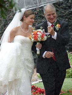 Real Weddings: Erin and Dan's Gorgeous Rainy Day Wedding | Lenora's Legacy Estate www.lenoraslegacy.com