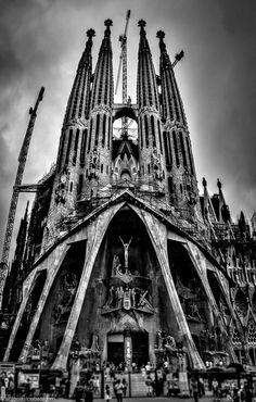 Antoni Gaudí Sagrada Familia - Barcelona - Spain - by Antonis Stoubas